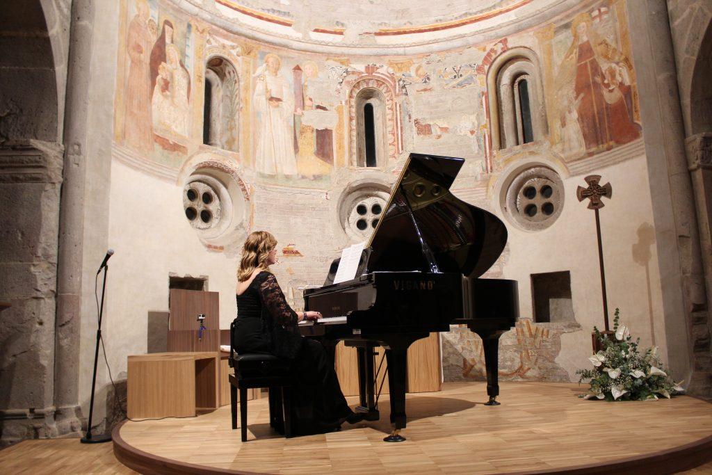 Melody Bach