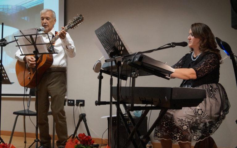 Claudio Lisbona. e Melody Bach